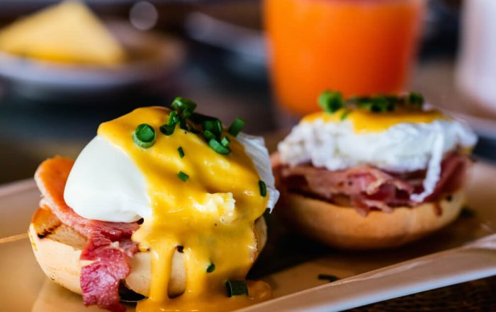 How to Make Eggs Benedict What's the Best Recipe