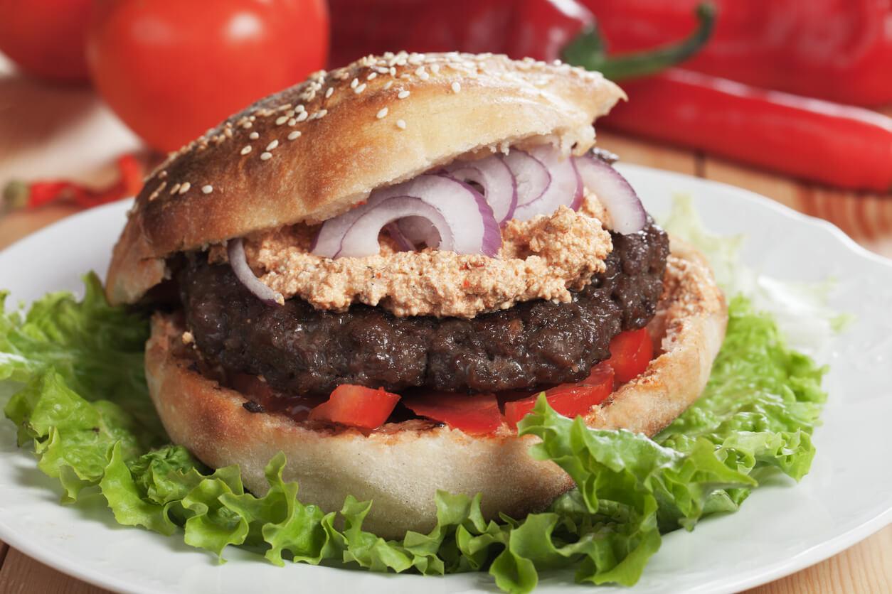 Serbian Burger – Pljeskavica| Rakija Grill